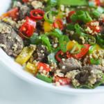 Stir fry z kaszą jaglaną, wołowiną i warzywami