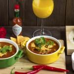 Rozgrzewająca zupa z mięsem, warzywami i czarną fasolą