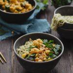 Kalafiorowe curry z ciecierzycą
